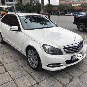Thuê xe cưới Mercerdes C250 trắng giá hấp dẫn