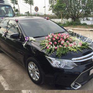 Thuê xe cưới CAMRY tại Hà Nội giá ưu đãi
